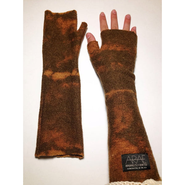 DESERT SANDS LONG FINGERLESS GLOVES - Gimmerton