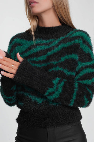 A FLUFFY WAY TO BE STRIPED WOMEN'S SWEATER