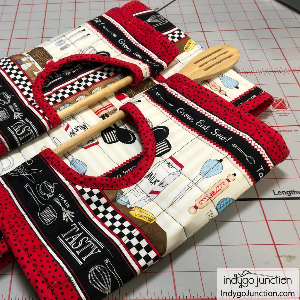 Casserole Carry-All sewing pattern from Indygo Junction