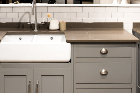 11 Farmhouse Kitchen Sink Ideas