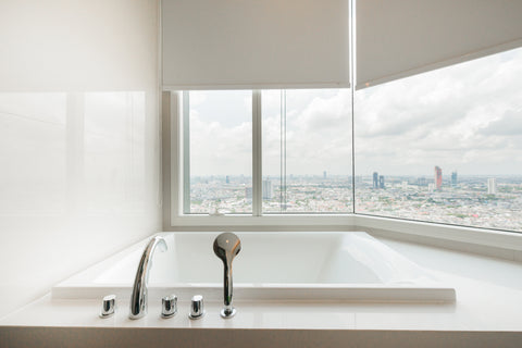 Why Are Lucite Bathtubs Your Best Option?