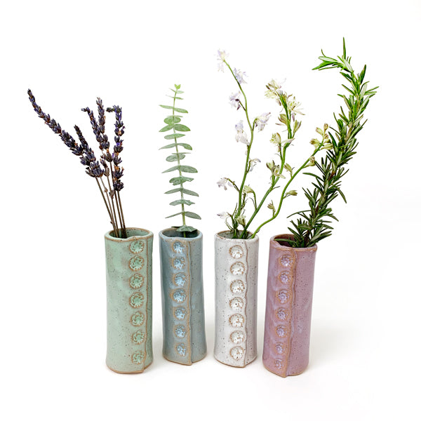 Bud Vase in Various Colors: Green, Blue, White, Pink.