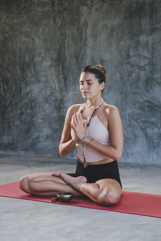 How to Transform Your Yoga Outfits Into Street Clothes