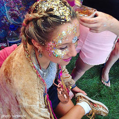 glitter festival look with nade power bank