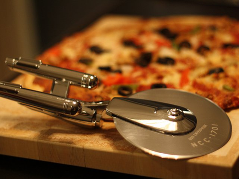 LIMITED EDITION Star Trek Enterprise Pizza Cutter