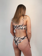 Load image into Gallery viewer, KENZA TOP (TIGER STRIPE)