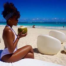 natural hair beach