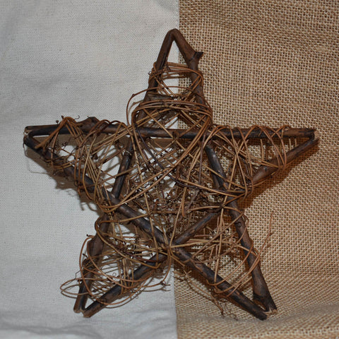 Twig Wreaths: Star Home Décor | Burlap Basement
