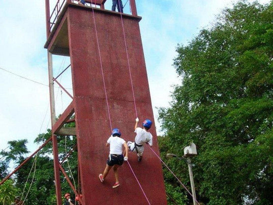 3-storey tall wall abseiling activity