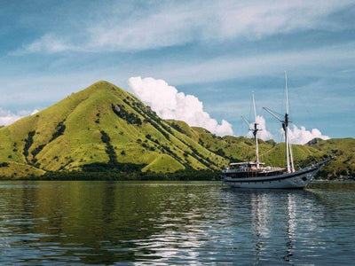 A boat on the sea of Flores Island