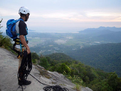 Abseiling at gunung Raya