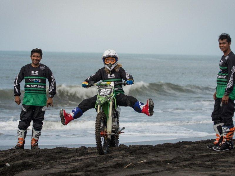 Dirt Bike Riding Class - Kawasaki KLX 150 (Full Day) | Indonesia | Adventoro