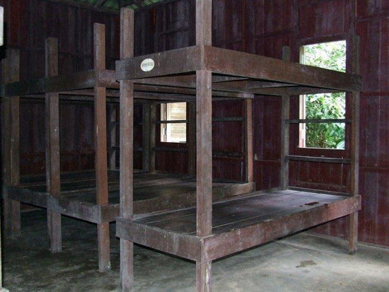 Kumbang Hide bunk beds