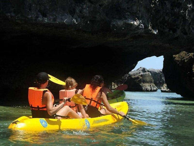 Tourists kayaking at Angthong Islands