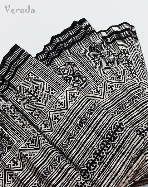 Thai Handprinted Hmong Hill Tribe Batik Fabric Roll Black White