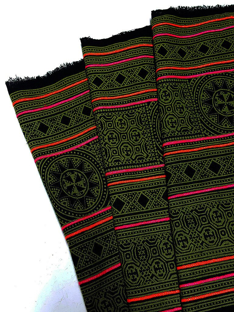 Thai Hand printed Fabric Natural Cotton Fabric by the yard Hmong Fabric Hill Tribe Fabric Vintage Fabric Indigo Batik Green Black HF34