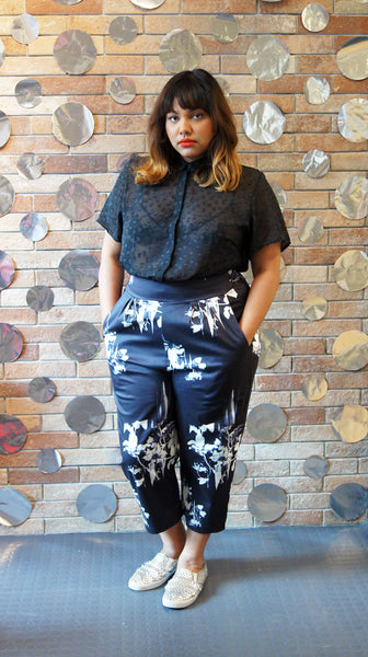 GRAPHIC FLORAL PANTS
