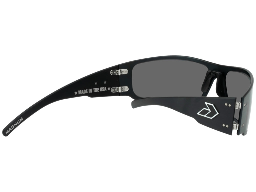 Magnum Black with Smoked Polarized Lens