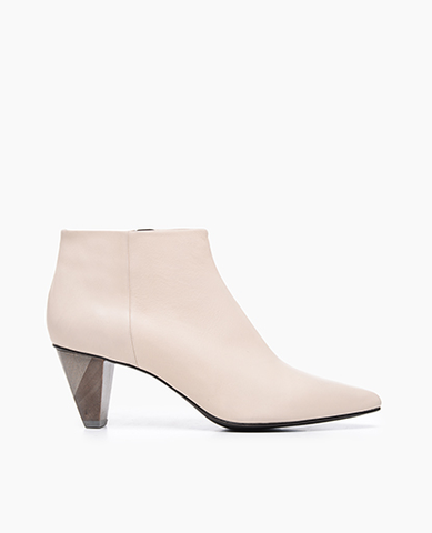 Coclico women's pointed-toe bootie in powder leather