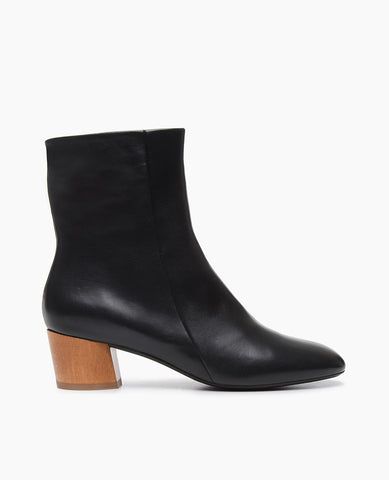 Coclico Cally Bootie for women, black