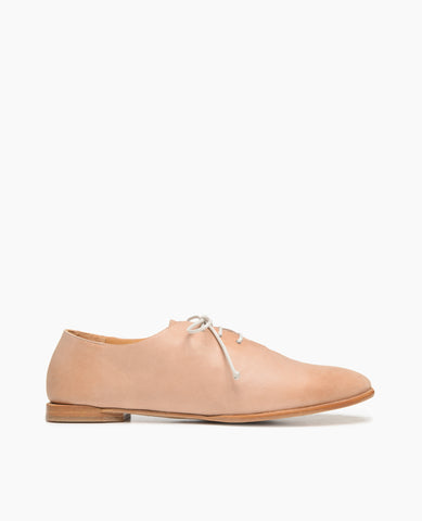 Coclico women's simple everyday oxford flat in Italian leather. Coclico shoes are sustainably made in Spain.