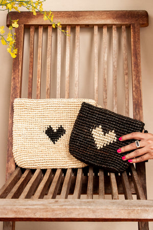 LOVE CLUTCH SMALL - SAND