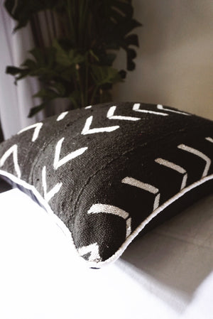 ARROW MUDCLOTH CUSHION