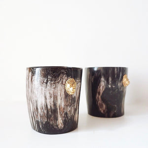 LION ANKOLE SHORT HOLDER- DARK GRAIN