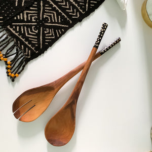 GUINEA FOWL DESIGN OLIVE WOOD SALAD SERVERS