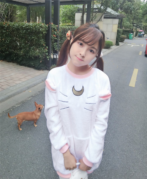 [Sailor Moon] Kitty Cat Moon Wide Woolen Sweater (white and black) HF00376