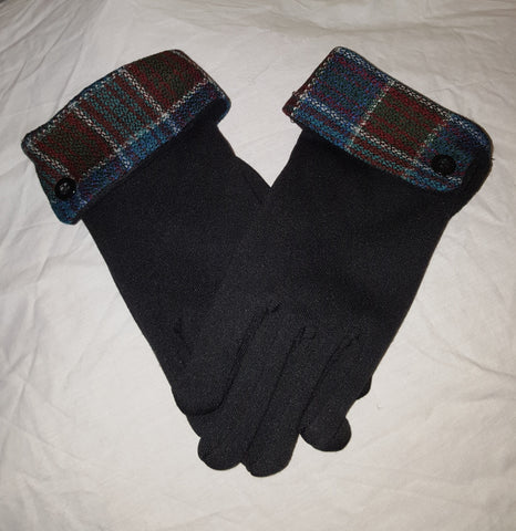 Gloves with turned back cuff in brown and navy check