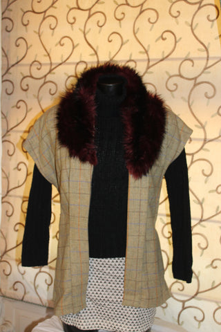 Tweed Sleeveless Jacket with Faux Fur Collar