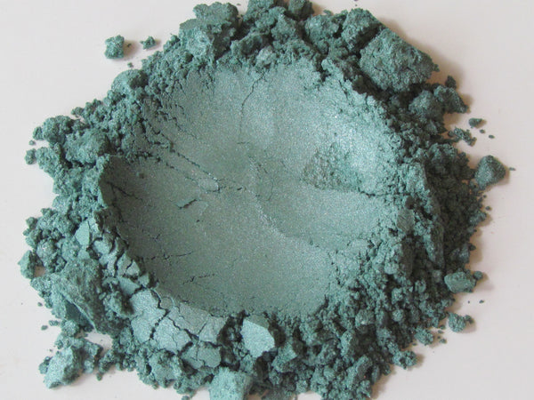 teal eye shadow mineral loose powder or teal eye liner
