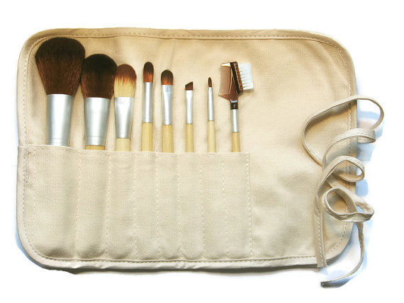 Vegan and Eco-Friendly Makeup Brush Set in Cotton and Hemp Roll-up Pouch