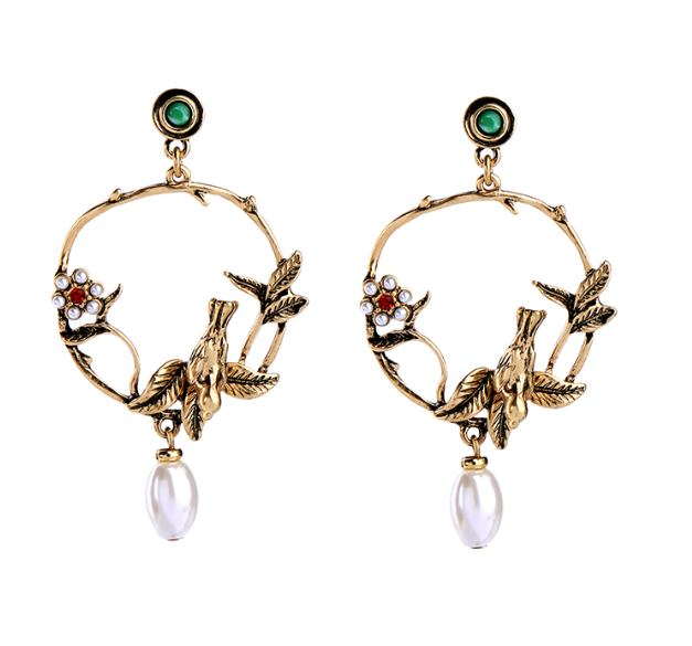 Cultured Pearl Star Insect Earrings
