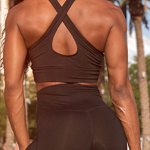 BodyMed Resistance Loop Tube - Woman with muscle tone on back