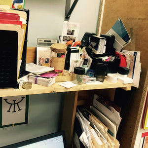6 Tips to get your desk cleared off