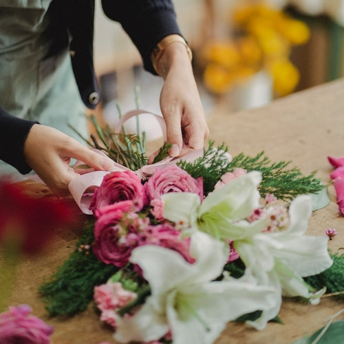 Why hire a Professional Florist?