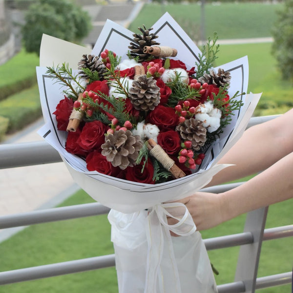 christmas bouquet pine cone, red rose cotton