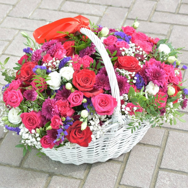 Blossoming Star - Flower Basket -  Flower Gift  by Flower Station Dubai