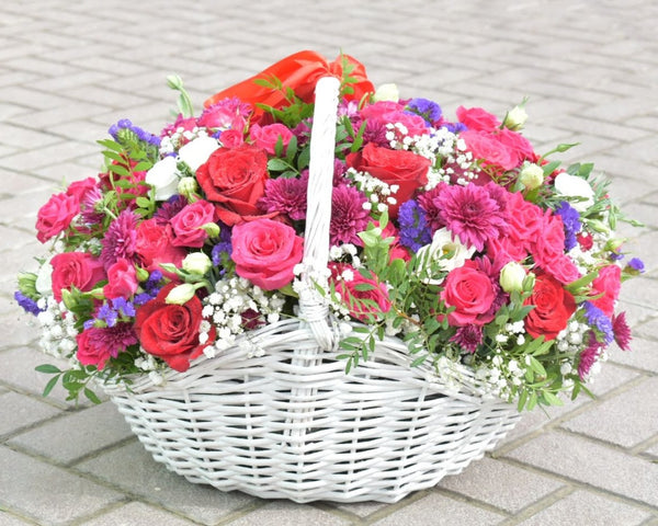 Blossoming Star - Flower Basket - Flower Station Dubai