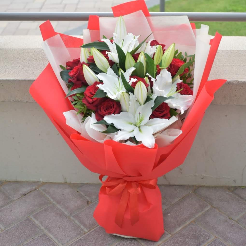 Sweet Love - Mixed Bouquet -  Flower Delivery - Flower Station Dubai