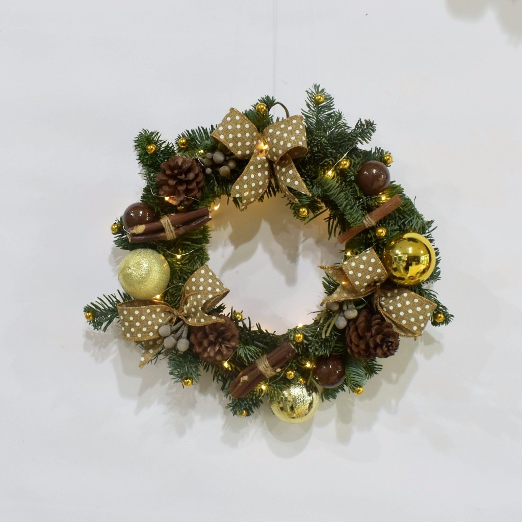 Fresh Christmas Wreath Gold Star- Real -  Wreath - The Flower Station