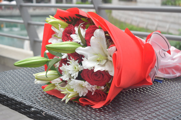 I'm In Love - Mixed Bouquet -  Flower Gift  by Flower Station Dubai