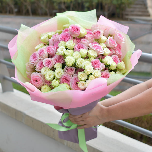 My Sweetie - Baby Roses -  Flower Gift  by Flower Station Dubai