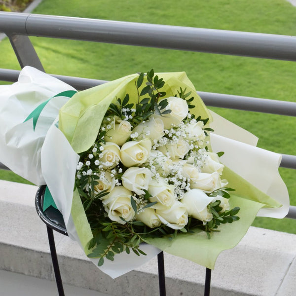 White Forest - Mono Bouquet -  Flower Gift  by Flower Station Dubai
