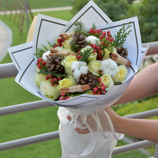 Happy Holiday- Christmas Bouquet -  Flower Delivery - Flower Station Dubai