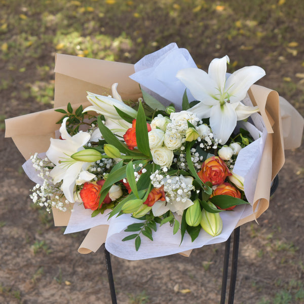 Sweet Hugs and Kisses - Mixed Bouquet