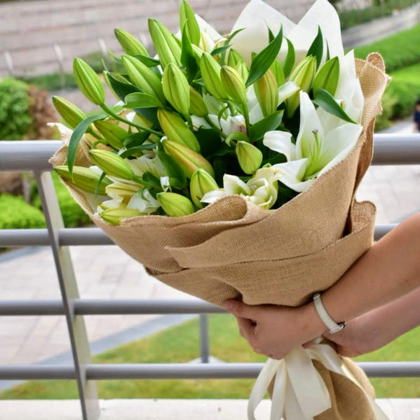 You're a Star - Lily Bouquet -  Flower Delivery - Flower Station Dubai