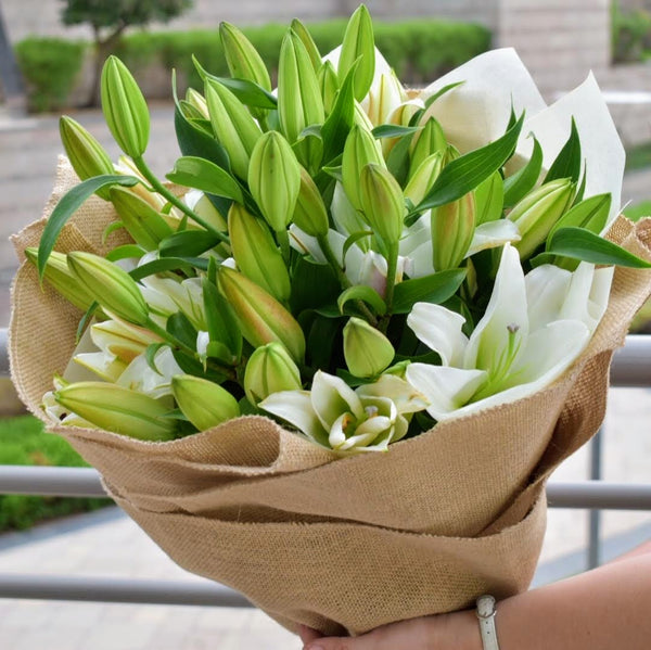 You're a Star - Lily Bouquet - Flower Station Dubai